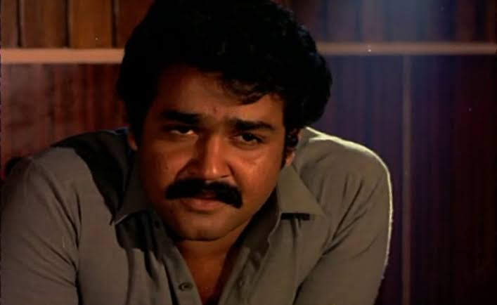 Mohanlal aces the role of a contractor from Thrissur in Thoovanathumbikal
